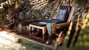 5 개의 야외 수영장, 일광욕 의자