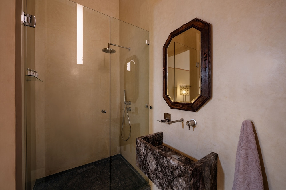 Bathroom Sink, 72 Riad Living