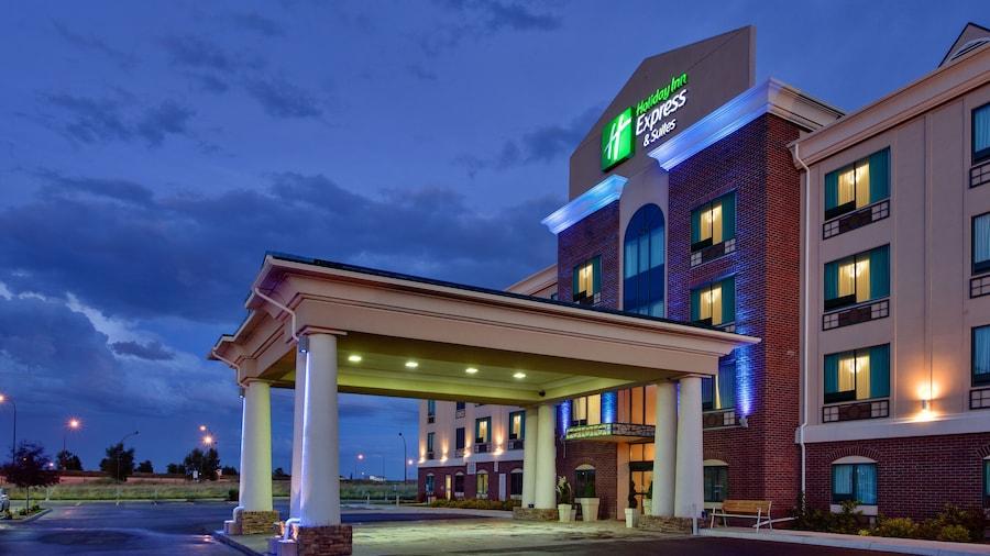 Holiday Inn Express & Suites Medicine Hat Transcanada Hwy 1, an IHG Hotel