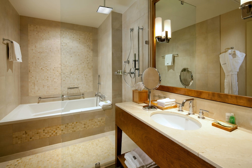 Bathroom, The Westin Bellevue