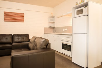 Adina Place Motel Apartments Tasmania Australia