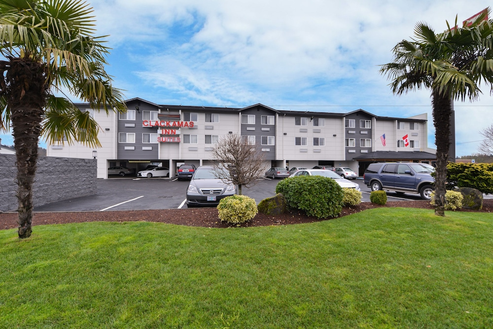 Featured Image, Clackamas Inn & Suites