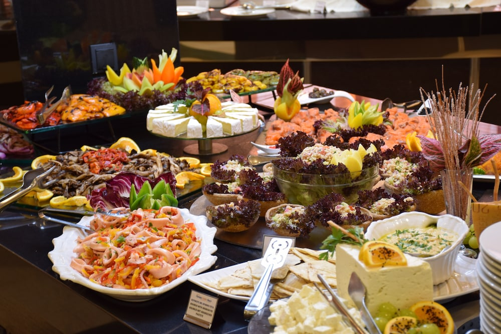 Buffet, Olympia Golden Beach & Spa