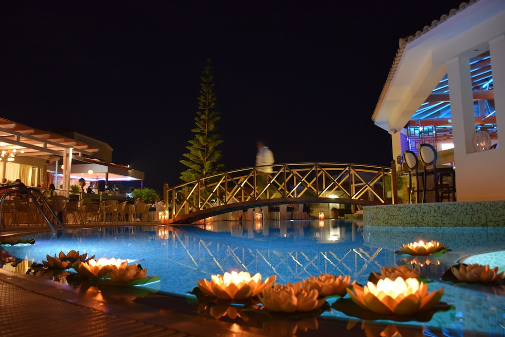 Indoor/Outdoor Pool, Olympia Golden Beach & Spa