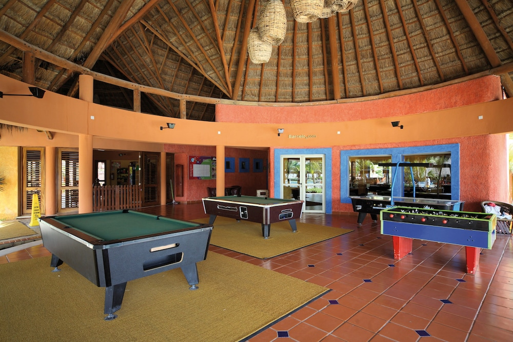 Billiards, Barceló Maya Colonial - All Inclusive