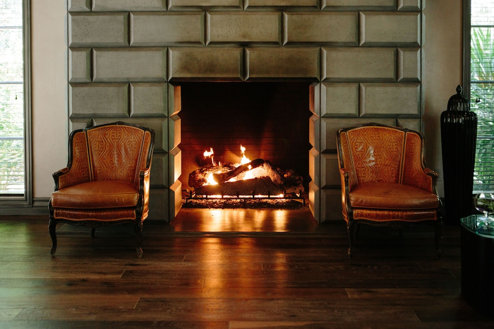 Fireplace, Hotel Yountville