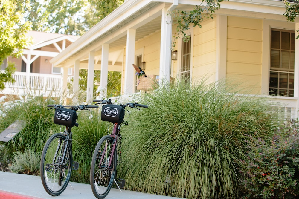 Bicycling, Hotel Yountville