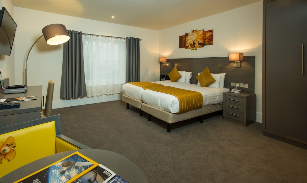 Room, The Park City Grand Plaza Kensington