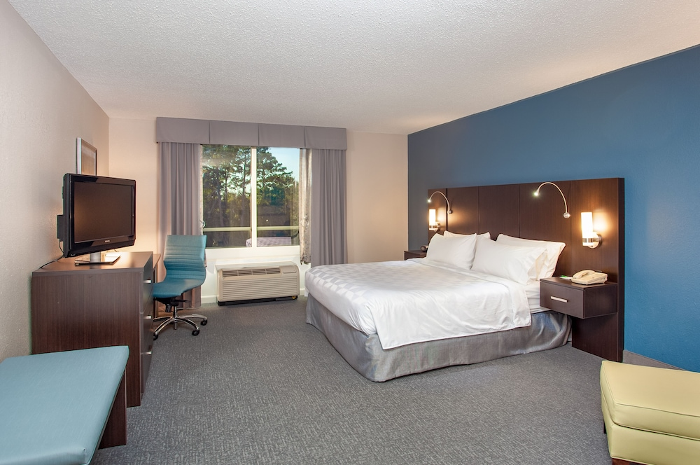 Room, Holiday Inn Hotel & Suites Tallahassee Conference Ctr N, an IHG Hotel