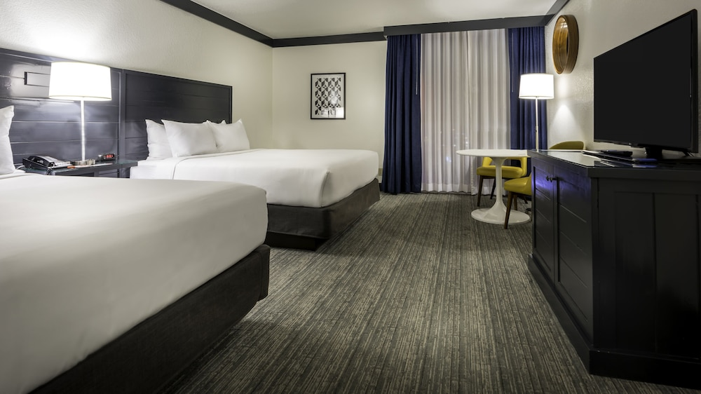 Room, OYO Hotel and Casino Las Vegas