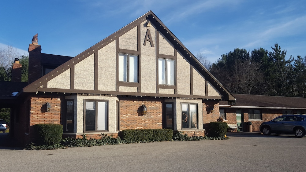 Front of Property, Inn at the Alpine by Budget Host