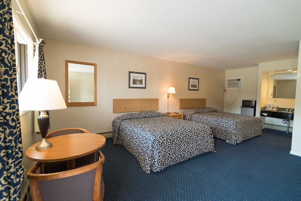 Room, Inn at the Alpine by Budget Host