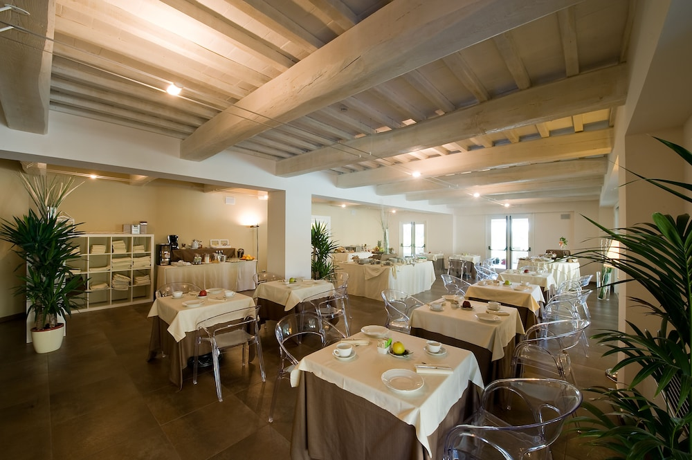 Breakfast Area, Relais dell'Olmo