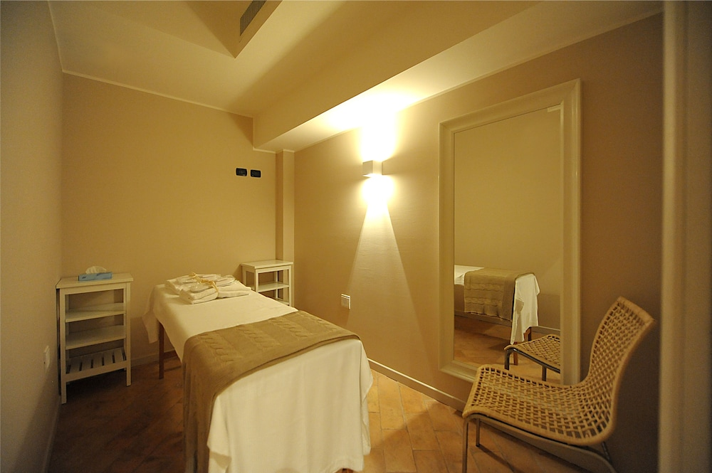 Treatment Room, Relais dell'Olmo