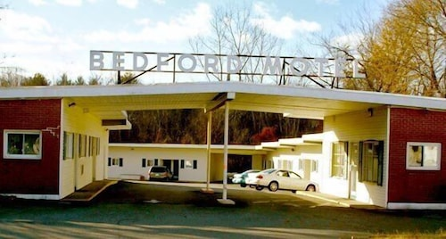 Great Place to stay Bedford Motel near Bedford