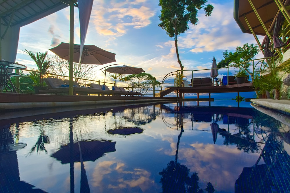 Pool, Issimo Suites Boutique Hotel & Spa - Adults Only