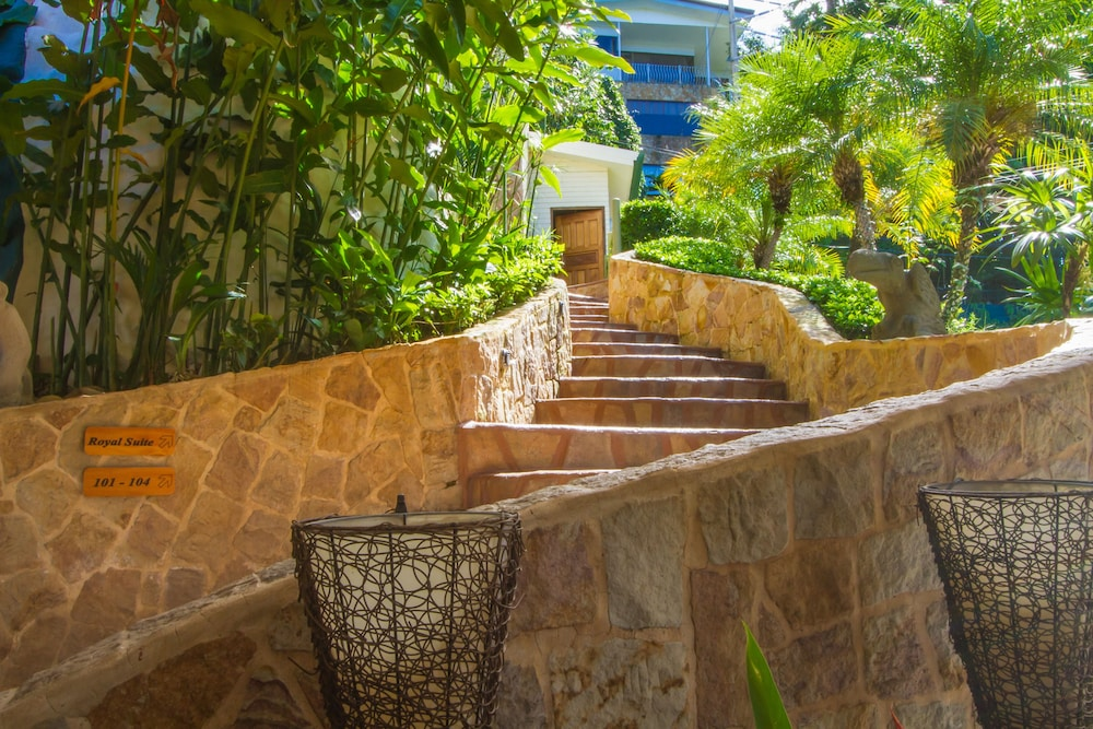 Staircase, Issimo Suites Boutique Hotel & Spa - Adults Only