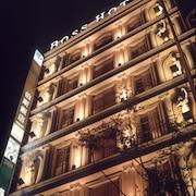 酒店入口 - 夜景