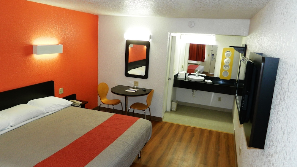 Featured Image, Motel 6 Oklahoma City, OK - Airport East