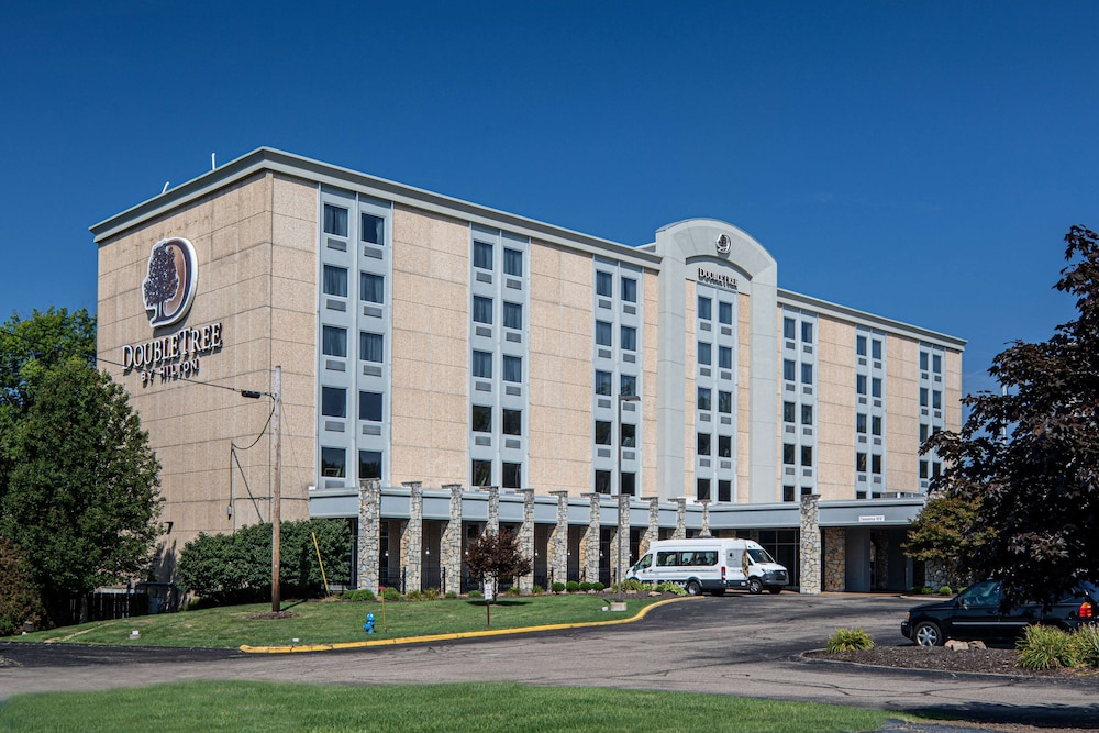 Exterior, DoubleTree by Hilton Pittsburgh Airport