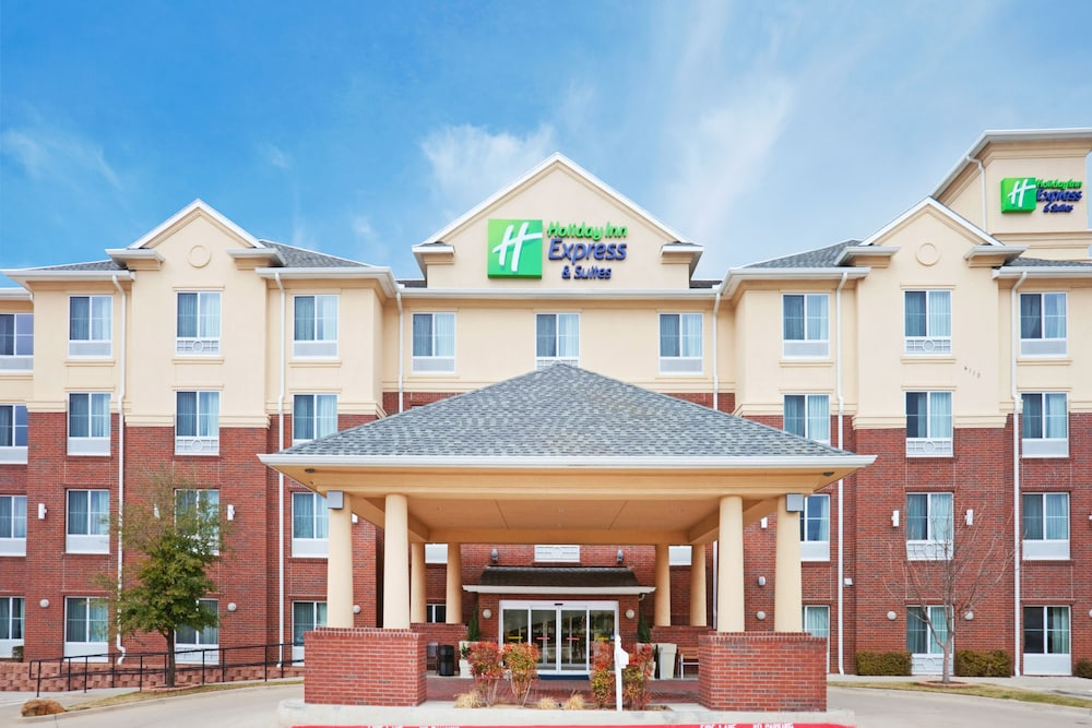 Exterior, Holiday Inn Express Hotel & Suites Dallas-Grand Prairie I-20