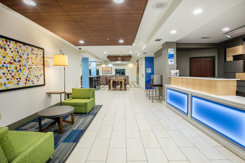 Lobby, Holiday Inn Express Hotel & Suites Dallas-Grand Prairie I-20