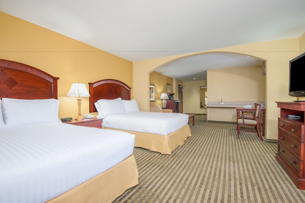 Room, Holiday Inn Express Hotel & Suites Enid - Highway 412, an IHG Hotel