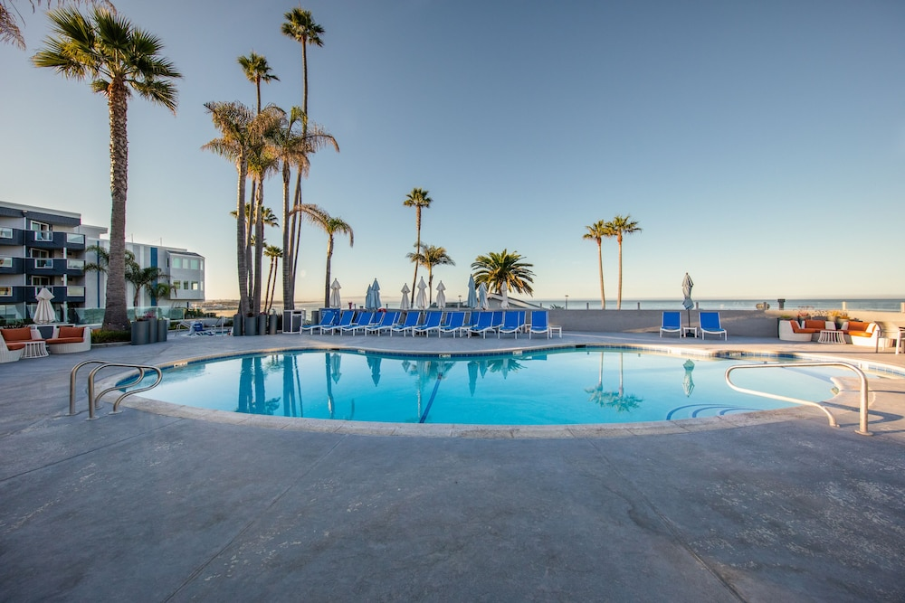 Outdoor Pool, SeaCrest OceanFront Hotel