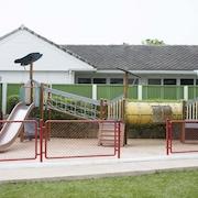 พื้นที่เล่นสำหรับเด็ก - กลางแจ้ง
