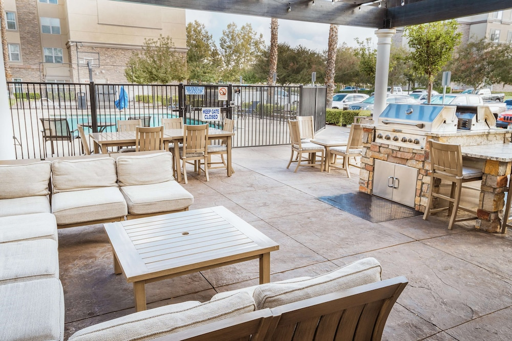 Terrace/Patio, Homewood Suites by Hilton Ontario-Rancho Cucamonga