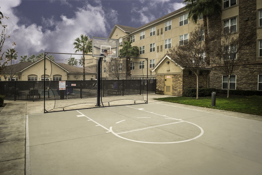 Sport Court, Homewood Suites by Hilton Ontario-Rancho Cucamonga