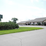 Shiretown Inn & Suites