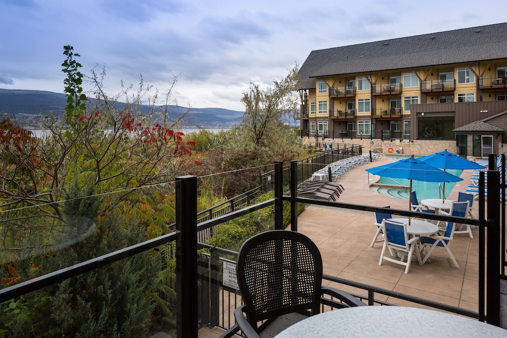 Terrace/Patio, Summerland Waterfront Resort & Spa