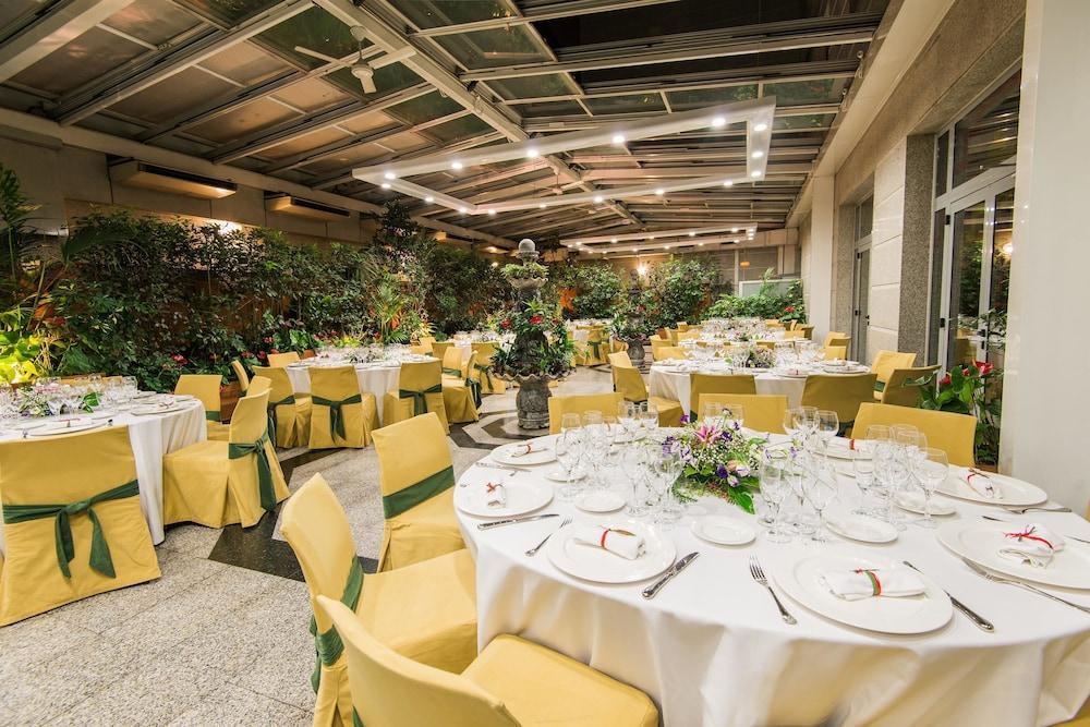 Hotel vp jard n metropolitano madrid espa a - Restaurante jardin metropolitano ...