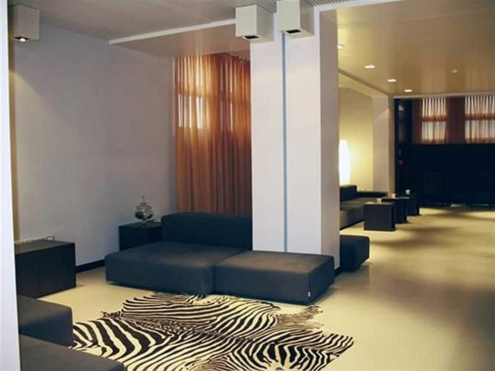 Wall Art Hotel: 2018 Room Prices $67, Deals & Reviews | Expedia
