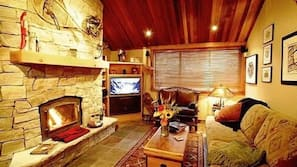 Fireplace, DVD player, pay-per-view films