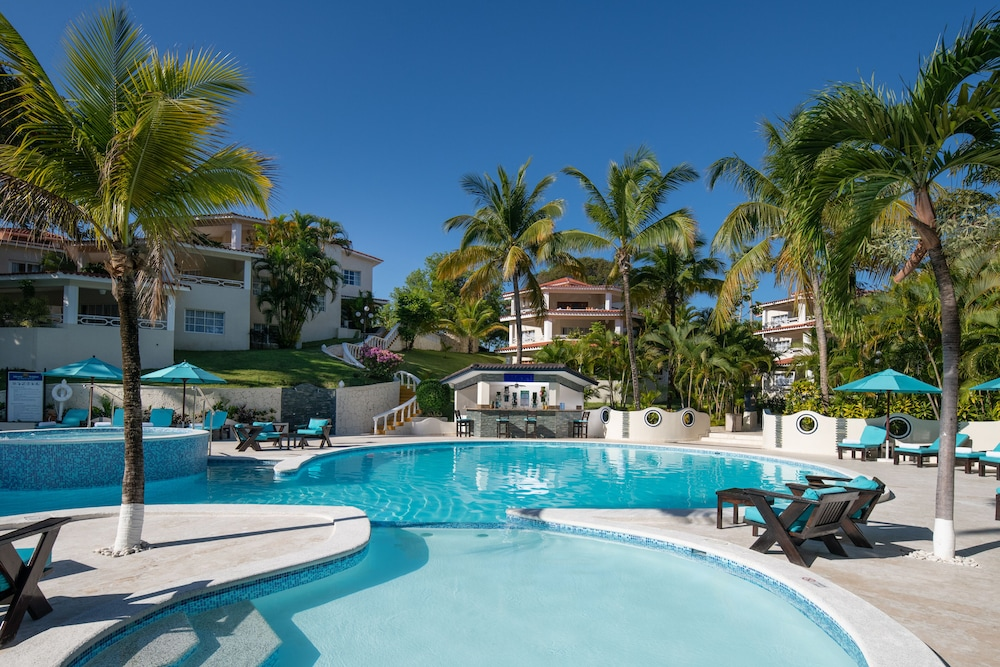 Featured Image, Lifestyle Crown Residence Suites - All Inclusive