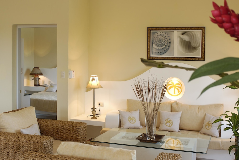 Living Room, Lifestyle Crown Residence Suites - All Inclusive