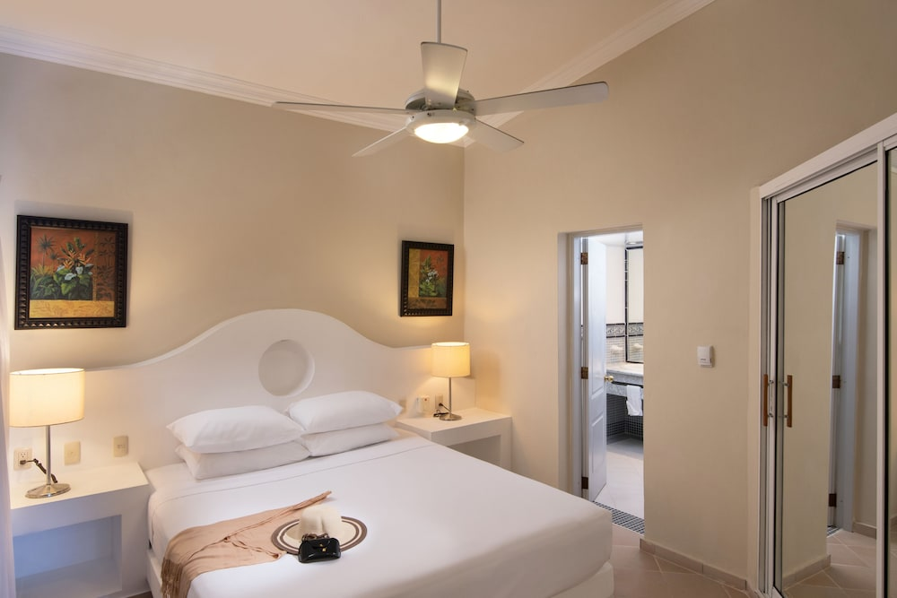Room, Lifestyle Crown Residence Suites - All Inclusive