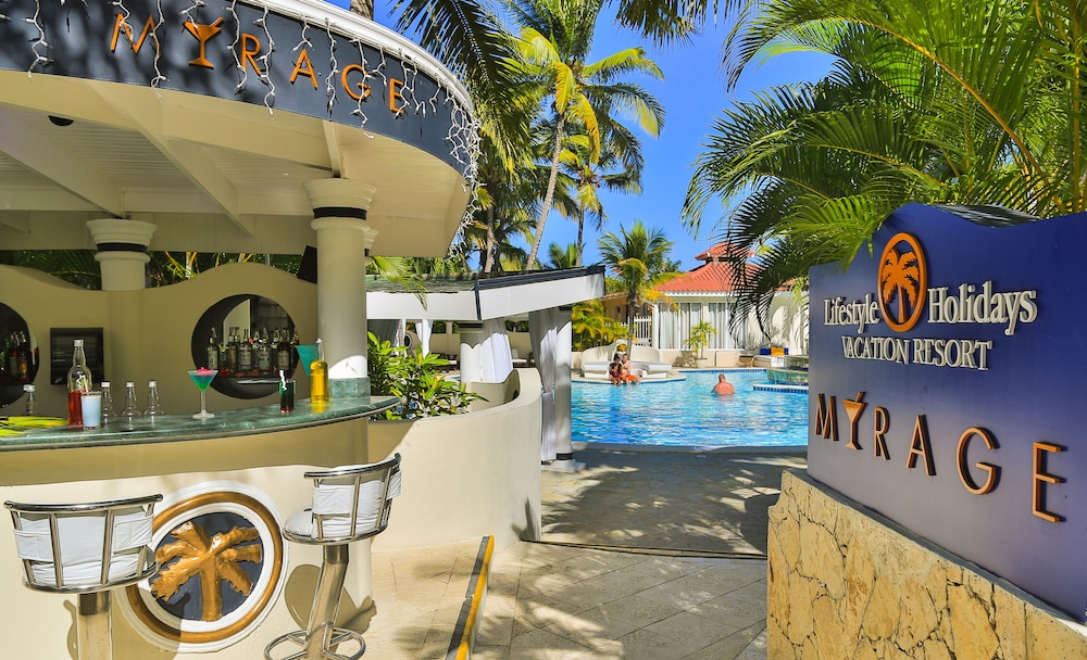 Beach Bar, Lifestyle Crown Residence Suites - All Inclusive