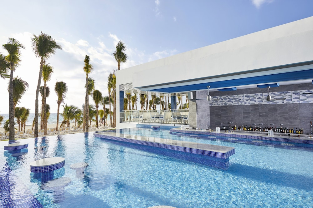 Swim-up Bar, Riu Palace Riviera Maya All Inclusive