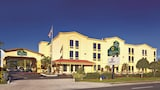 La Quinta Inn & Suites St Petersburg Northeast - St. Petersburg Hotels