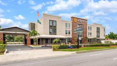 La Quinta Inn & Suites by Wyndham St. Petersburg Northeast