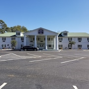 Plantation Inn and Suites