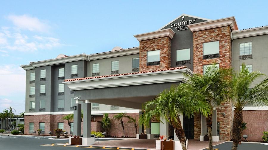 Country Inn & Suites by Radisson, Tampa RJ Stadium