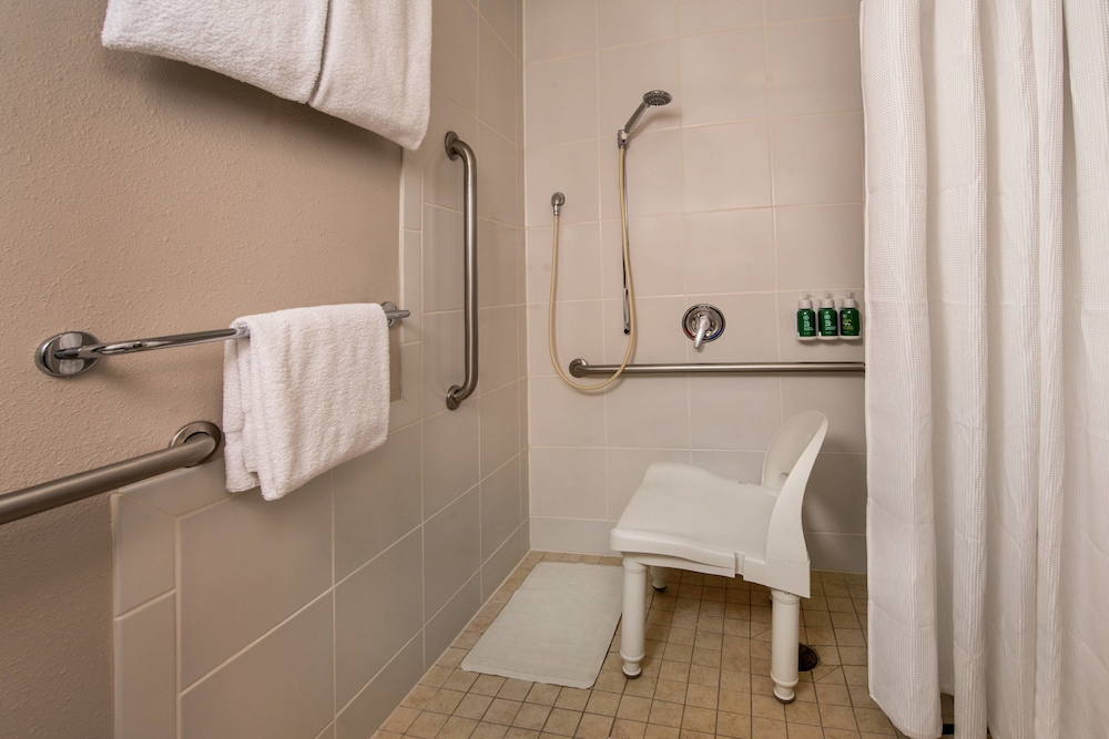Bathroom, Residence Inn by Marriott Dulles Airport At Dulles 28 Centre
