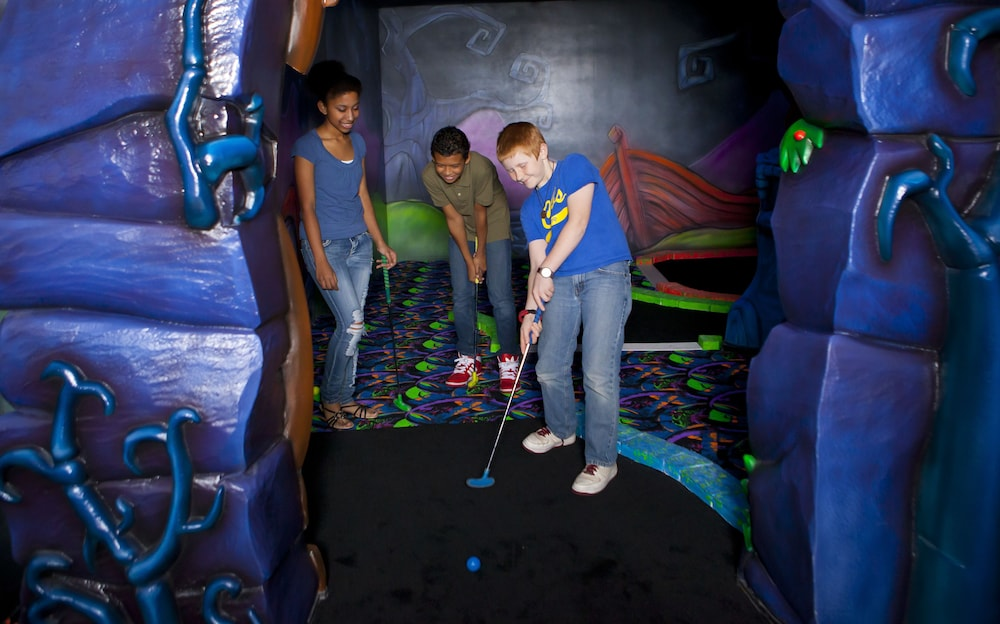 Mini-Golf, Great Wolf Lodge Pocono Mountains, PA