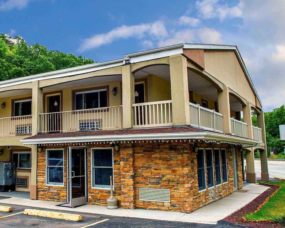Econo Lodge in Pittsburgh   Hotel Rates & Reviews on Orbitz