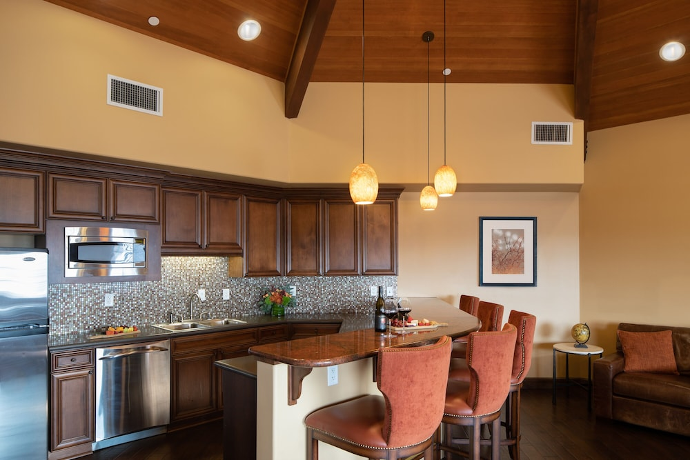 Private Kitchen, The Meritage Resort and Spa