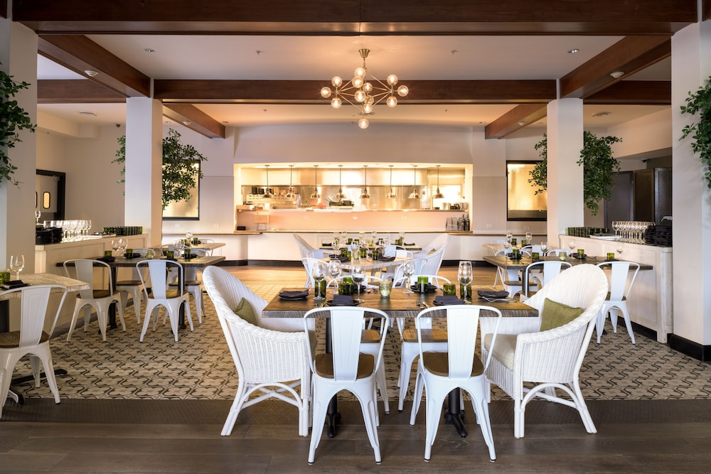 Restaurant, The Meritage Resort and Spa